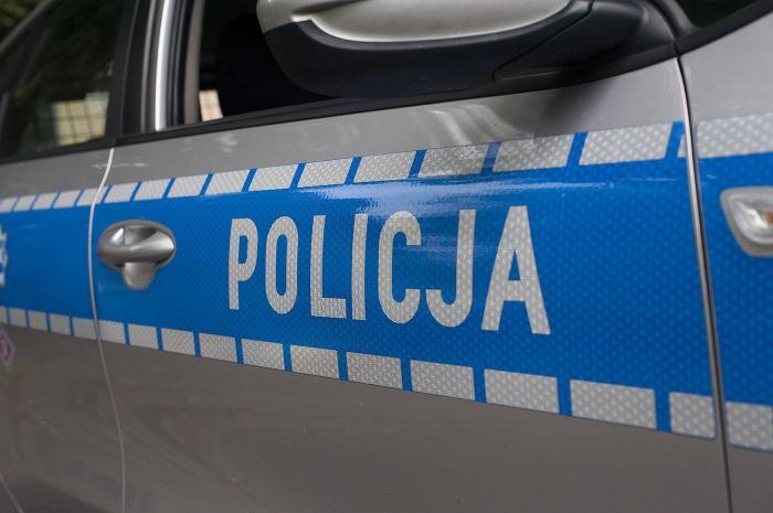 """Policja Płock: Dzielnicowy ujawnił plantację konopi, """"ogrodnik"""" trafił do aresztu"""